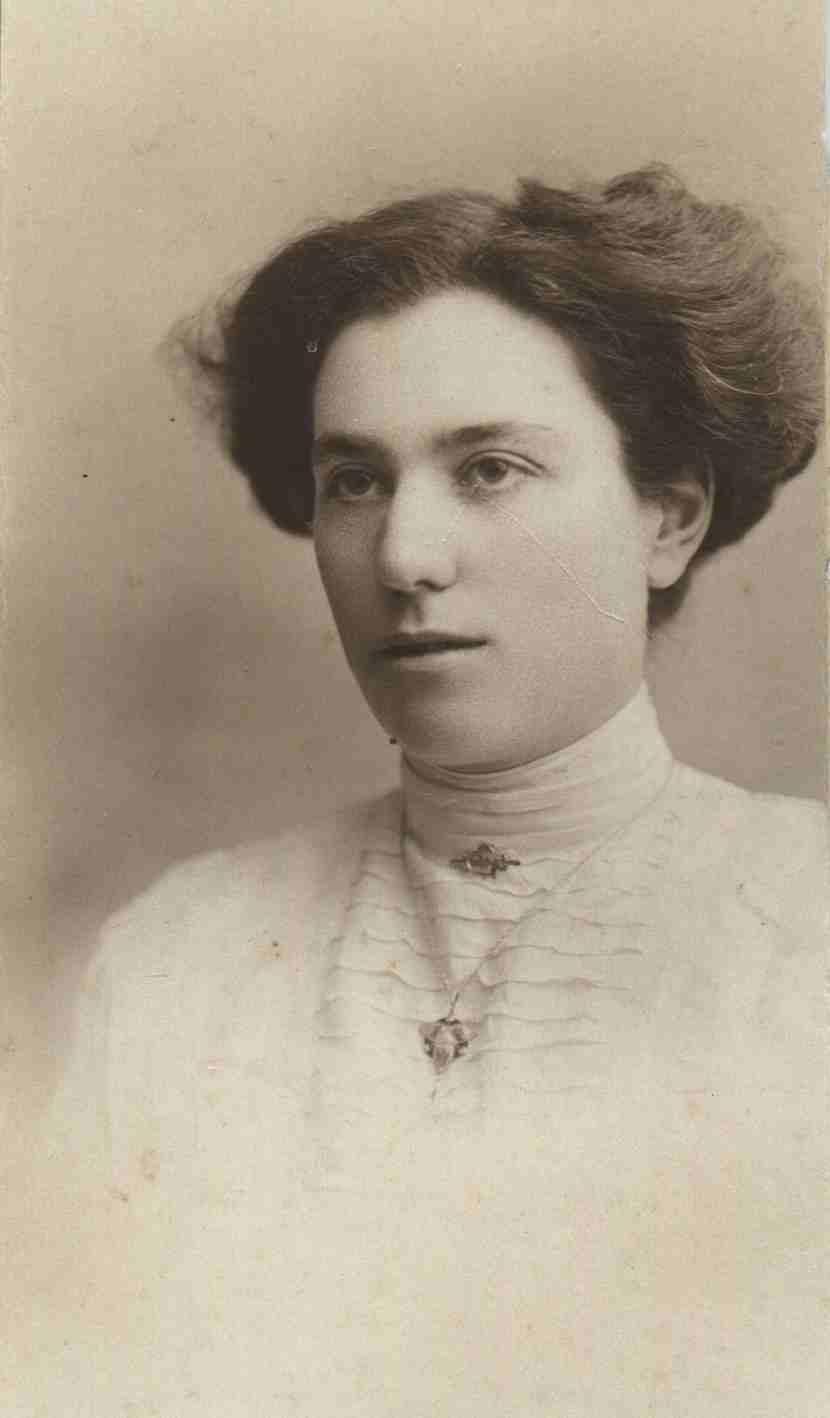 Julia Helen Baxter (nee Folley)