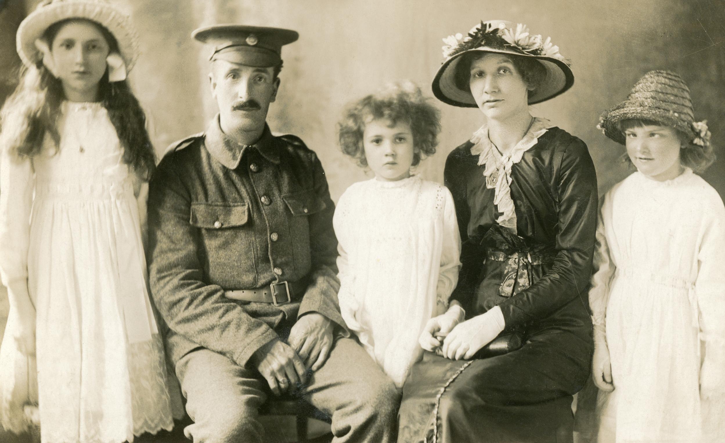 Frederick William and Louisa Ellen Baxter with children